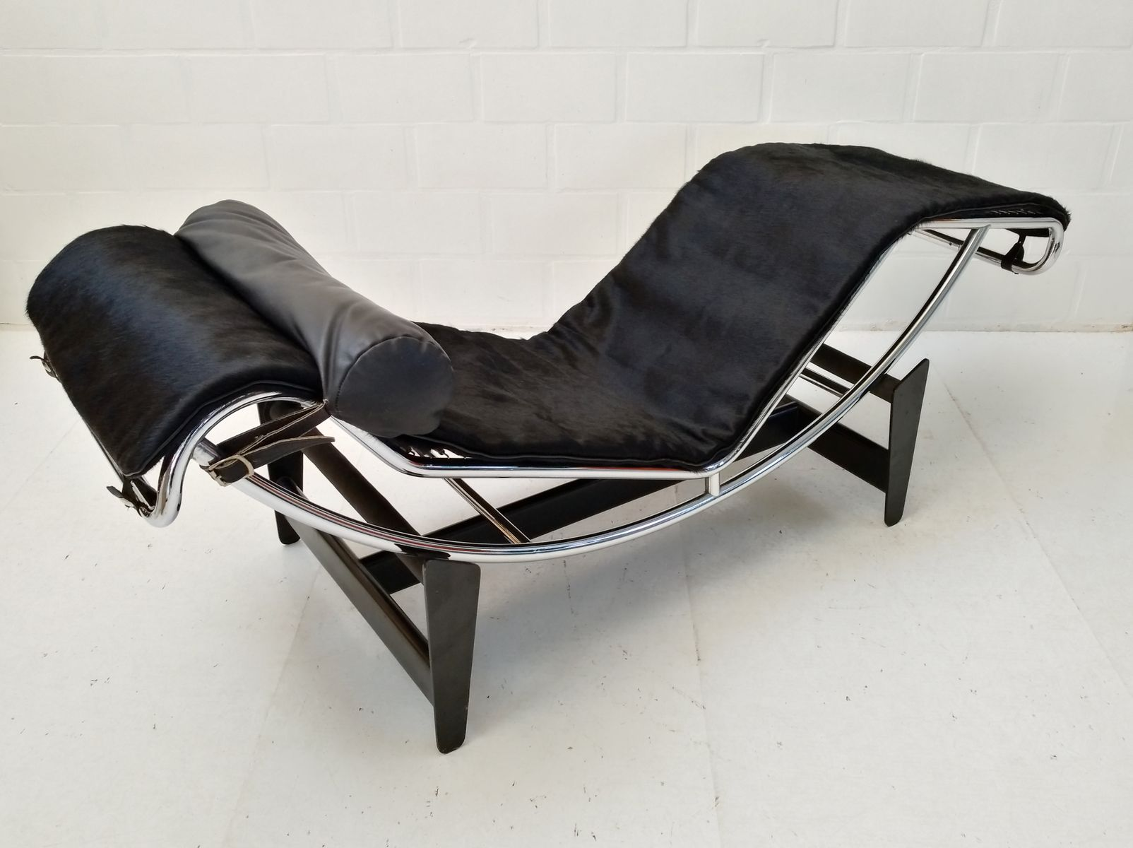 Chaise le corbusier prix chaise inspired by lc lounge - Chaise le corbusier prix ...
