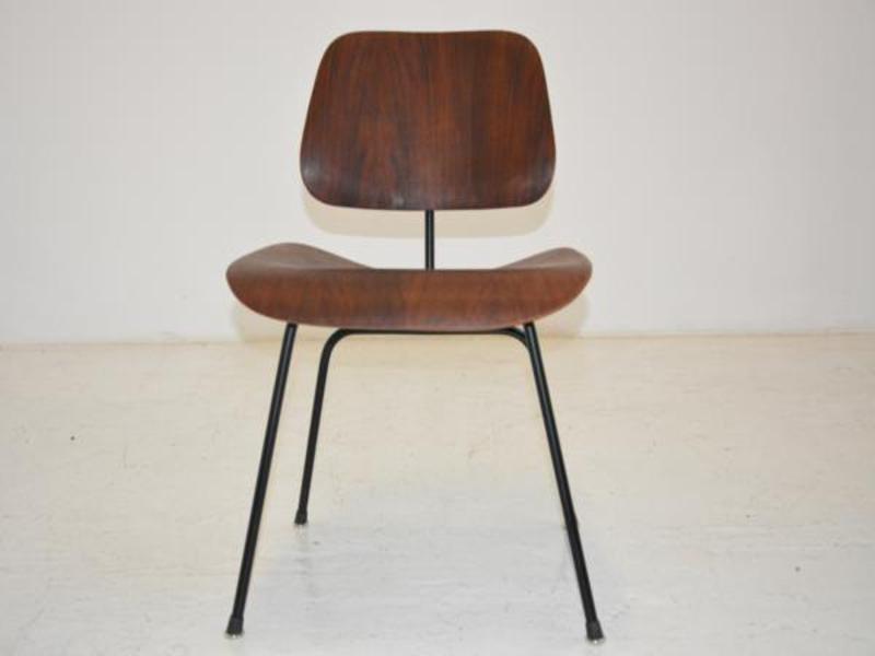 dcm stuhl von charles ray eames f r herman miller bei. Black Bedroom Furniture Sets. Home Design Ideas