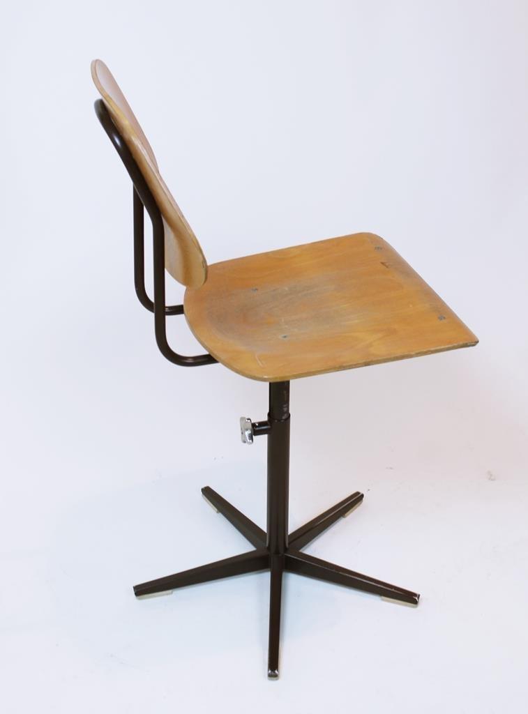 Schweizer klassenzimmer stuhl von embru 1960er bei pamono for Design stuhl hersteller