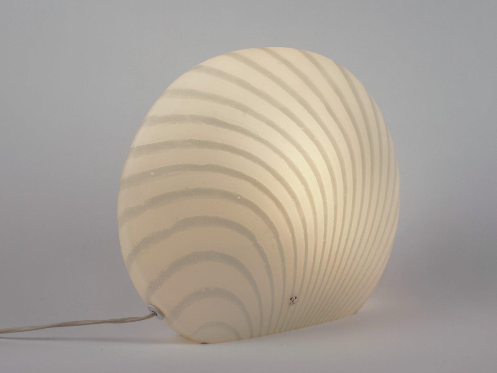 wei e gestreifte mid century tischlampe aus glas von peill. Black Bedroom Furniture Sets. Home Design Ideas