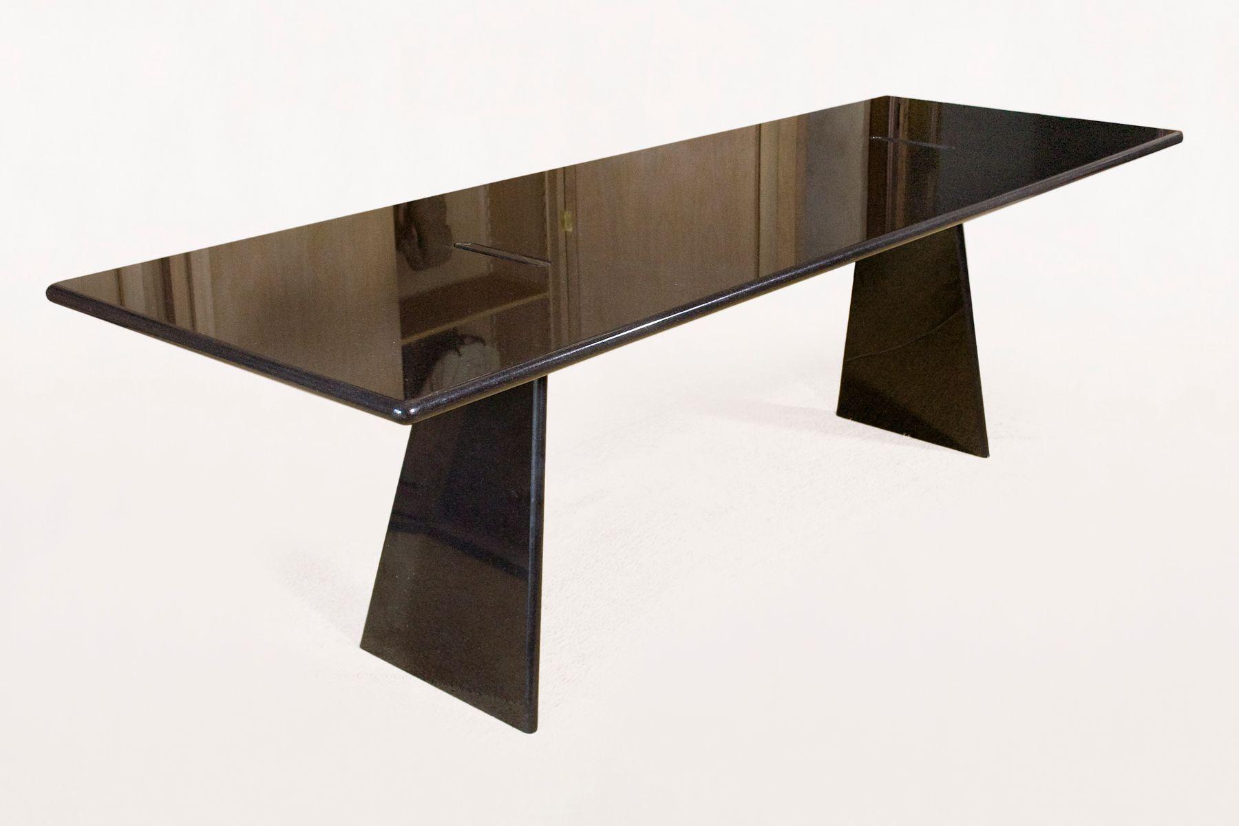 Asolo tisch aus poliertem granit von angelo mangiarotti for Tisch aus granit