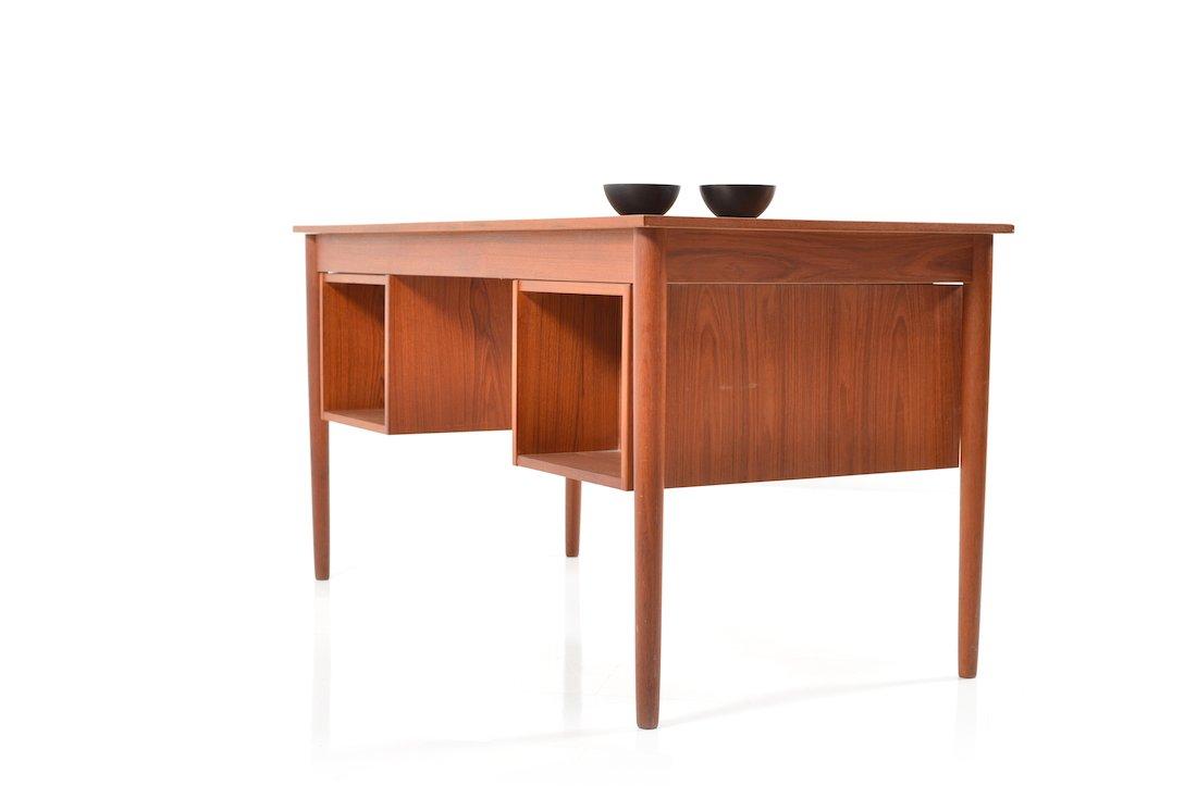 d nische mid century teak schreibtisch mit schubladen bei pamono kaufen. Black Bedroom Furniture Sets. Home Design Ideas