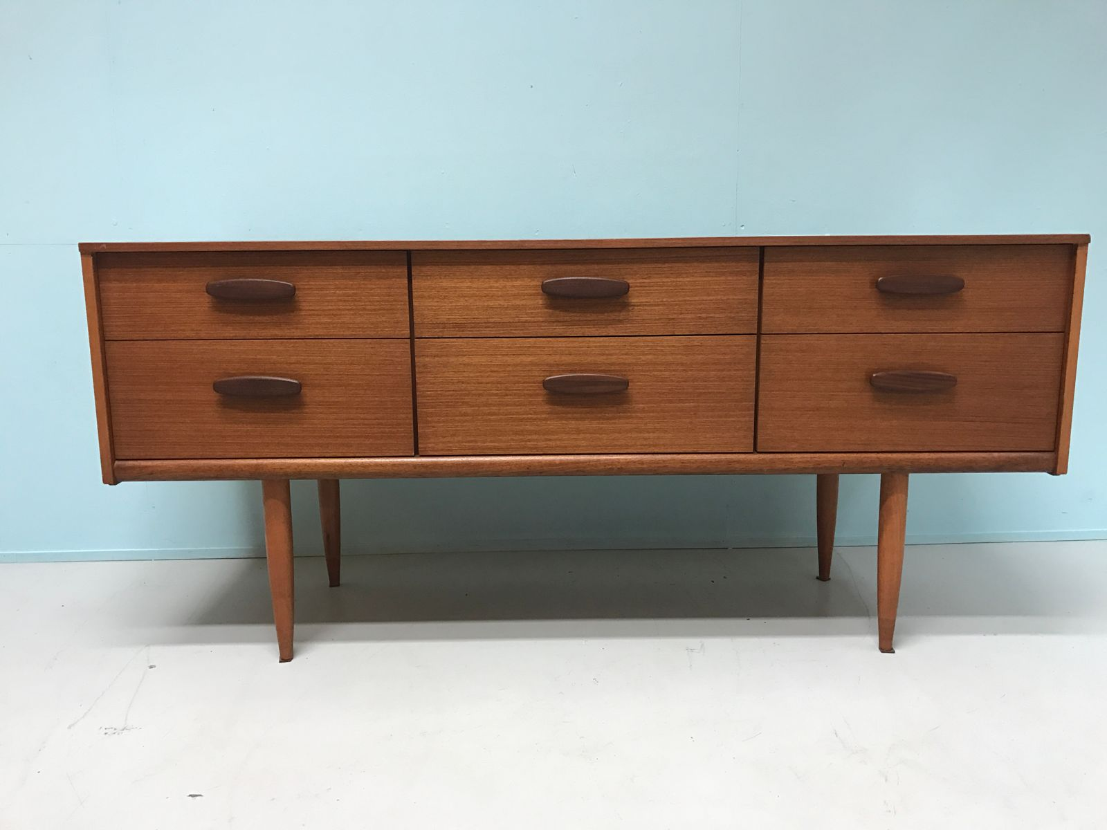 vintage model c38 low board from avalon for sale at pamono. Black Bedroom Furniture Sets. Home Design Ideas