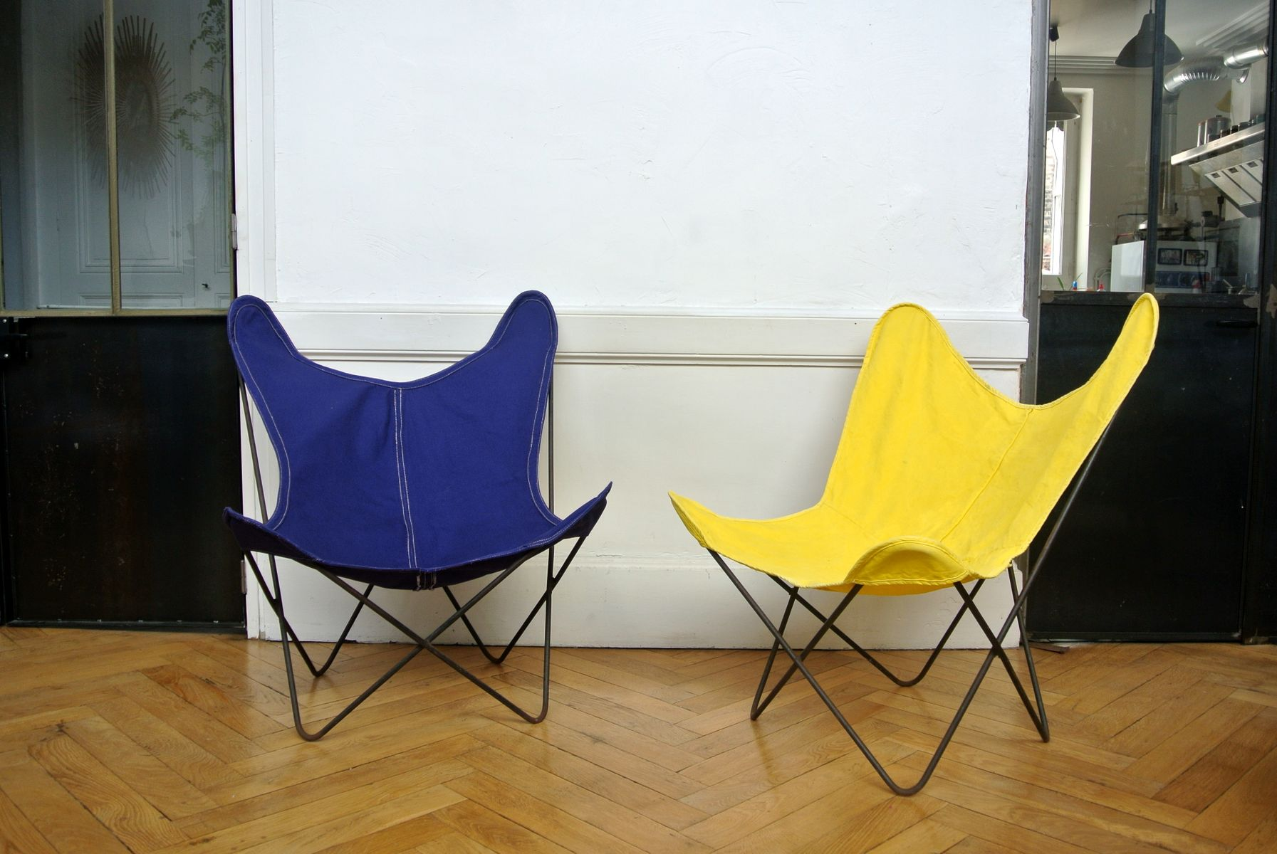 Blue Butterfly Chair from Artek Pascoe for sale at Pamono