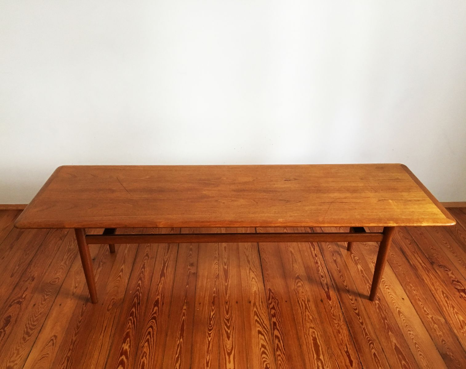 Large Mid-Century Teak Coffee Table - Large Mid-Century Teak Coffee Table For Sale At Pamono