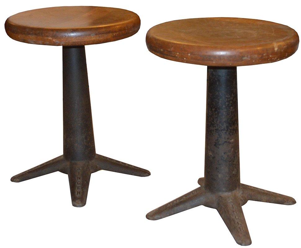 hocker von singer 1920er 2er set bei pamono kaufen. Black Bedroom Furniture Sets. Home Design Ideas