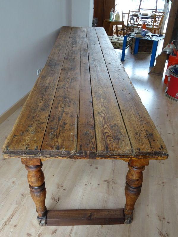 Tavolo da sarto grande antico in legno in vendita su pamono - Tavolo grande legno ...