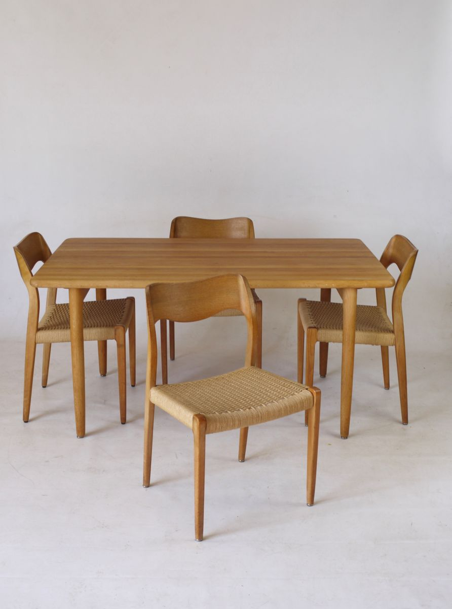 Sedie e tavolo da pranzo modello 71 in quercia di niels m ller per j l moller anni 39 60 in - Sedie per tavolo da pranzo ...