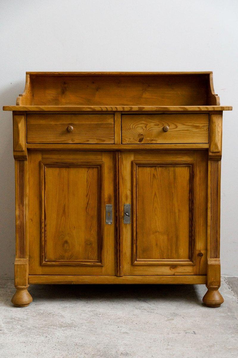 kleine weichholz kommode 1890er bei pamono kaufen. Black Bedroom Furniture Sets. Home Design Ideas