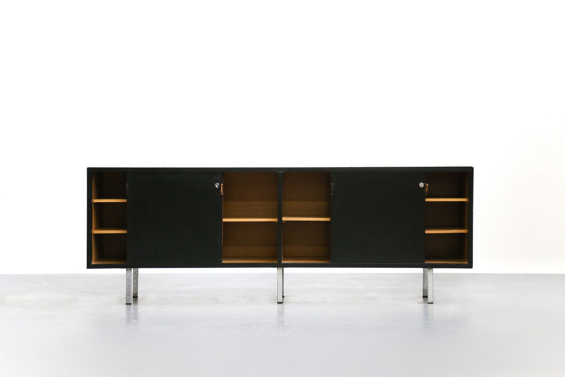 enfilade en ch ne par florence knoll pour knoll en vente sur pamono. Black Bedroom Furniture Sets. Home Design Ideas