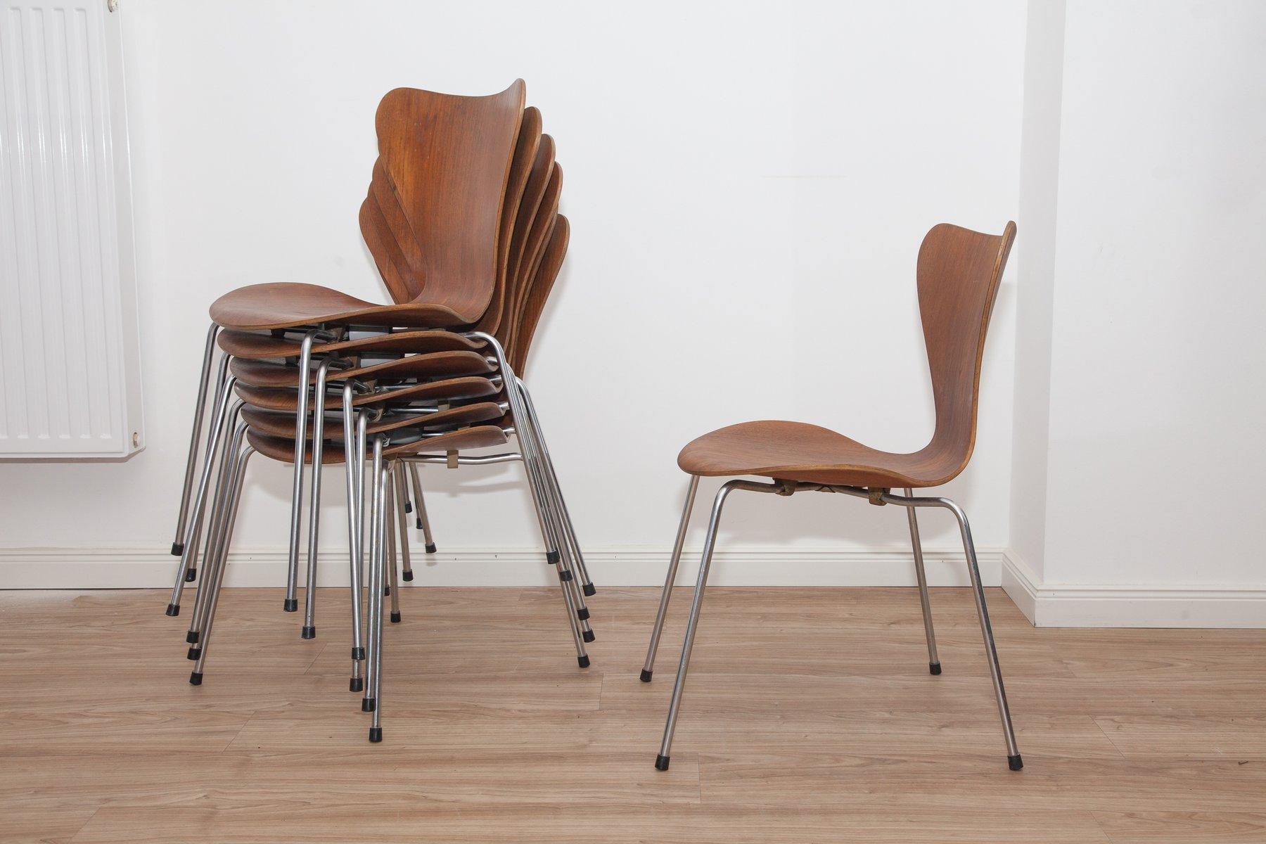 Jacobsen Stühle modell 3107 teak schichtholz ant stühle arne jacobsen für fritz hansen 1960er 7er set