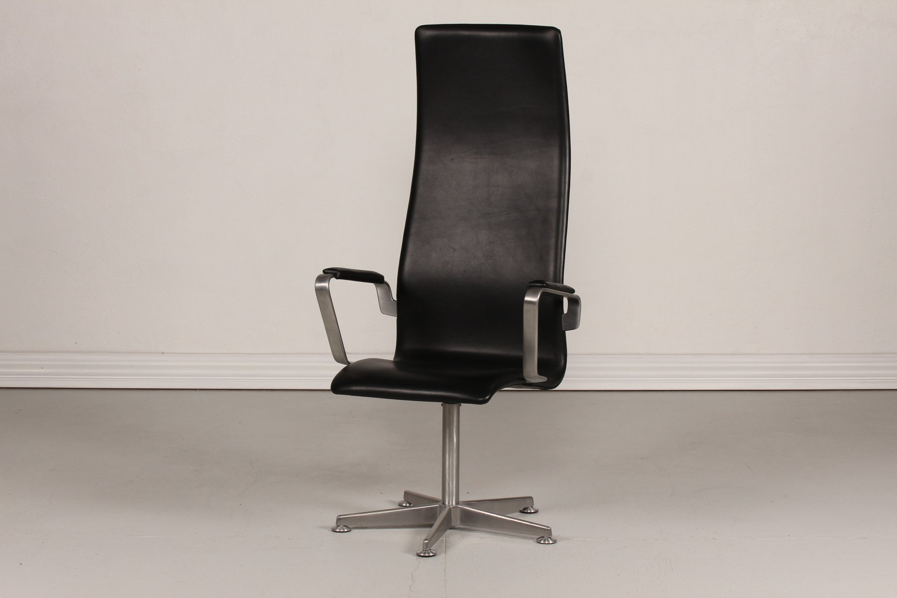 Danish 3272 high oxford chair by arne jacobsen for fritz for Chaise arne jacobsen