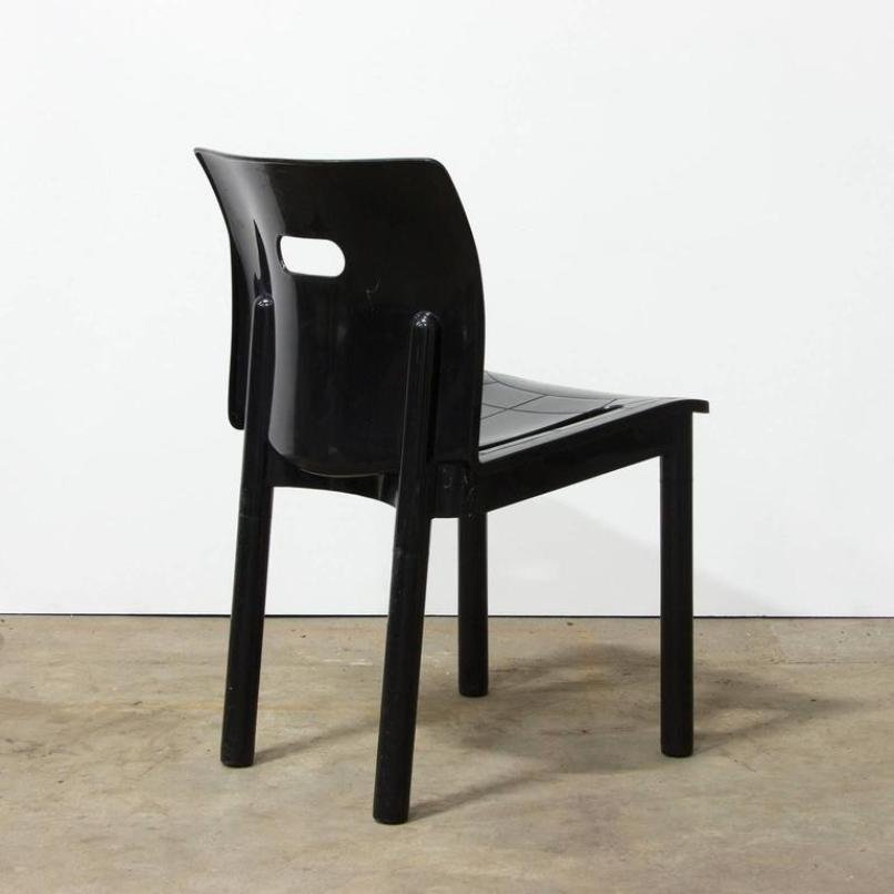 4870 black plastic stacking chair by anna castelli for Kartell plastic chair