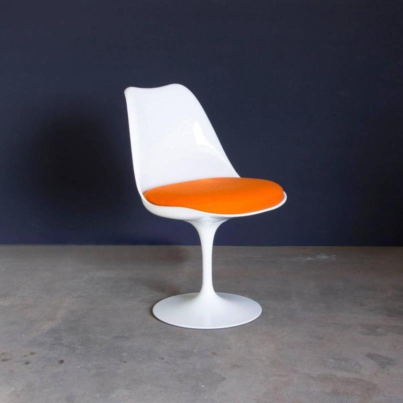Vintage early 151 white tulip chair by eero saarinen for - Sedia tulip knoll ...