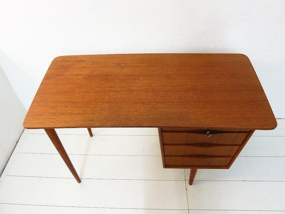 kleiner vintage teak schreibtisch bei pamono kaufen. Black Bedroom Furniture Sets. Home Design Ideas
