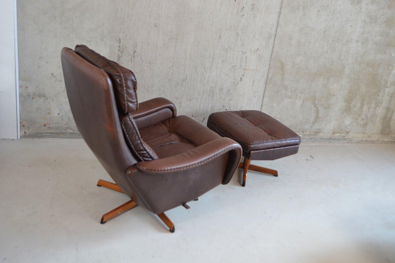 Fauteuil mid century et repose pied en cuir danemark 1970s en vente sur pamono - Fauteuil et repose pied ...
