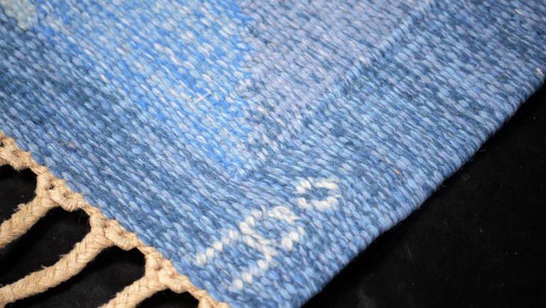 Blauer teppich  Schwedischer Blauer Teppich von Anna Johanna Ångström, 1960er bei ...