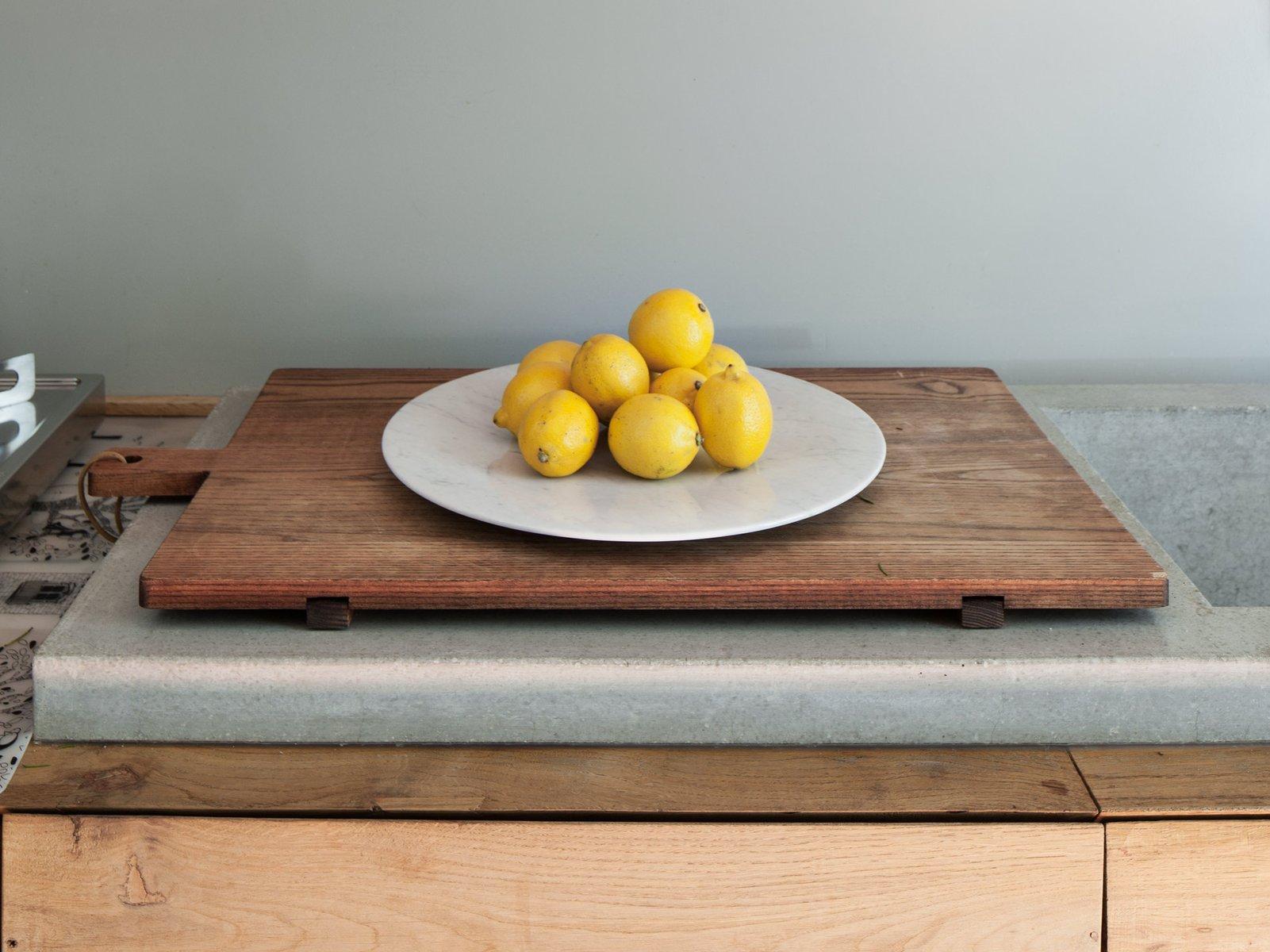 bramante wei er carrara marmor teller von stories of italy bei pamono kaufen. Black Bedroom Furniture Sets. Home Design Ideas