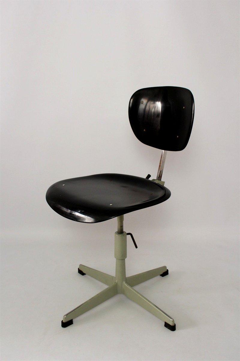 industrieller stahl plastik stuhl 1970er bei pamono kaufen. Black Bedroom Furniture Sets. Home Design Ideas