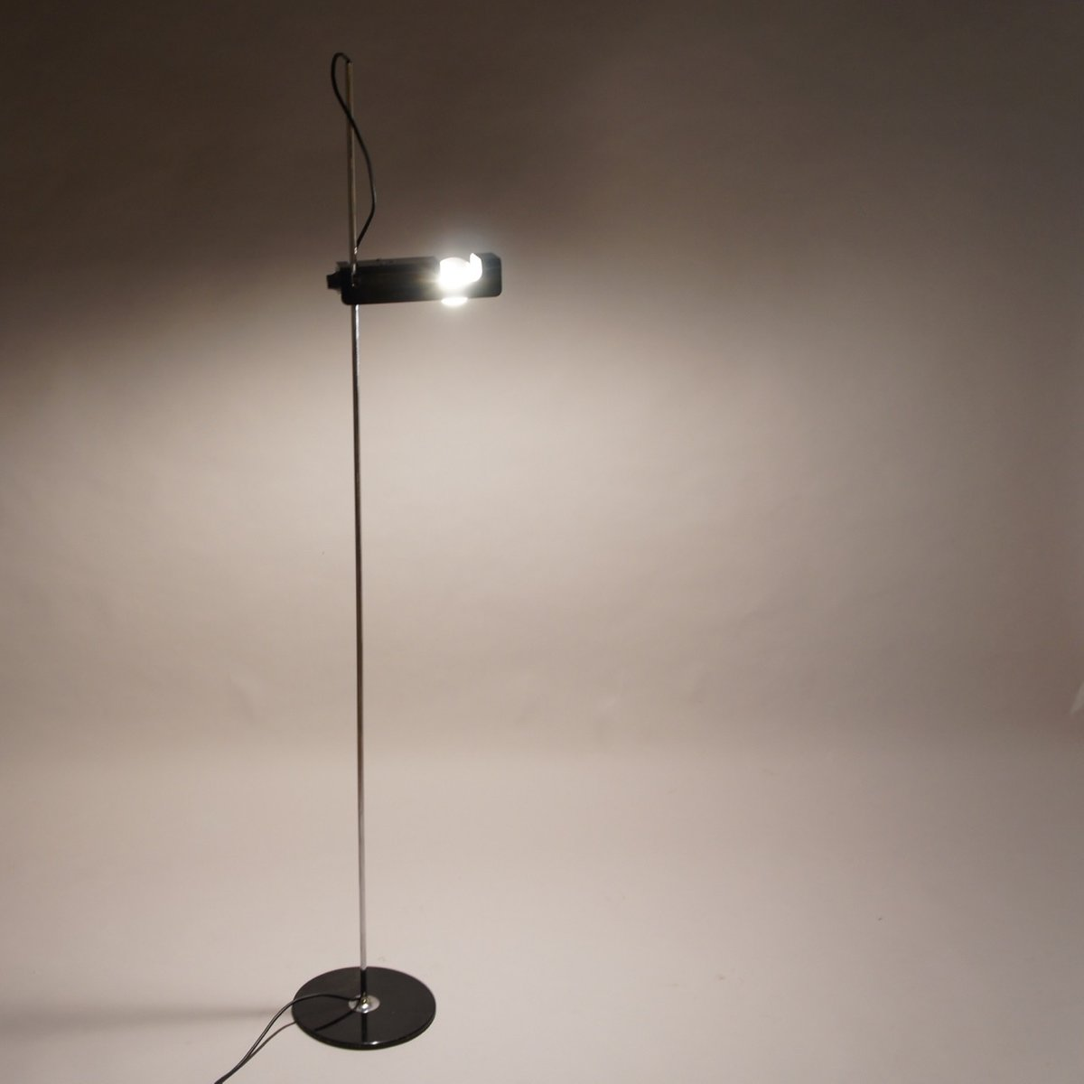 Mid-Century Spider Floor Lamp by Joe Colombo for Oluce for sale at ...