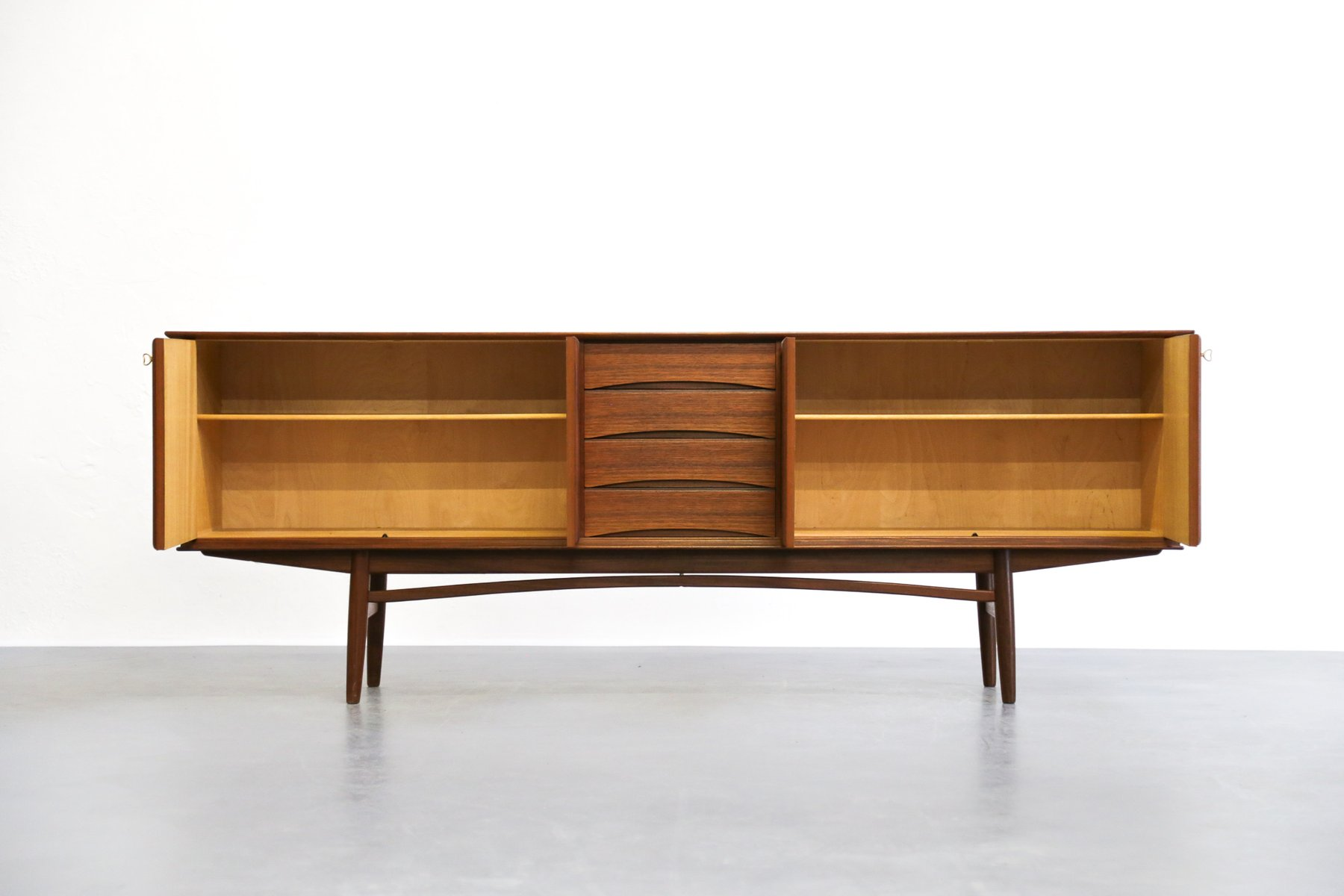 skandinavisches teak sideboard von rastad relling f r gustav bahus 1960er bei pamono kaufen. Black Bedroom Furniture Sets. Home Design Ideas