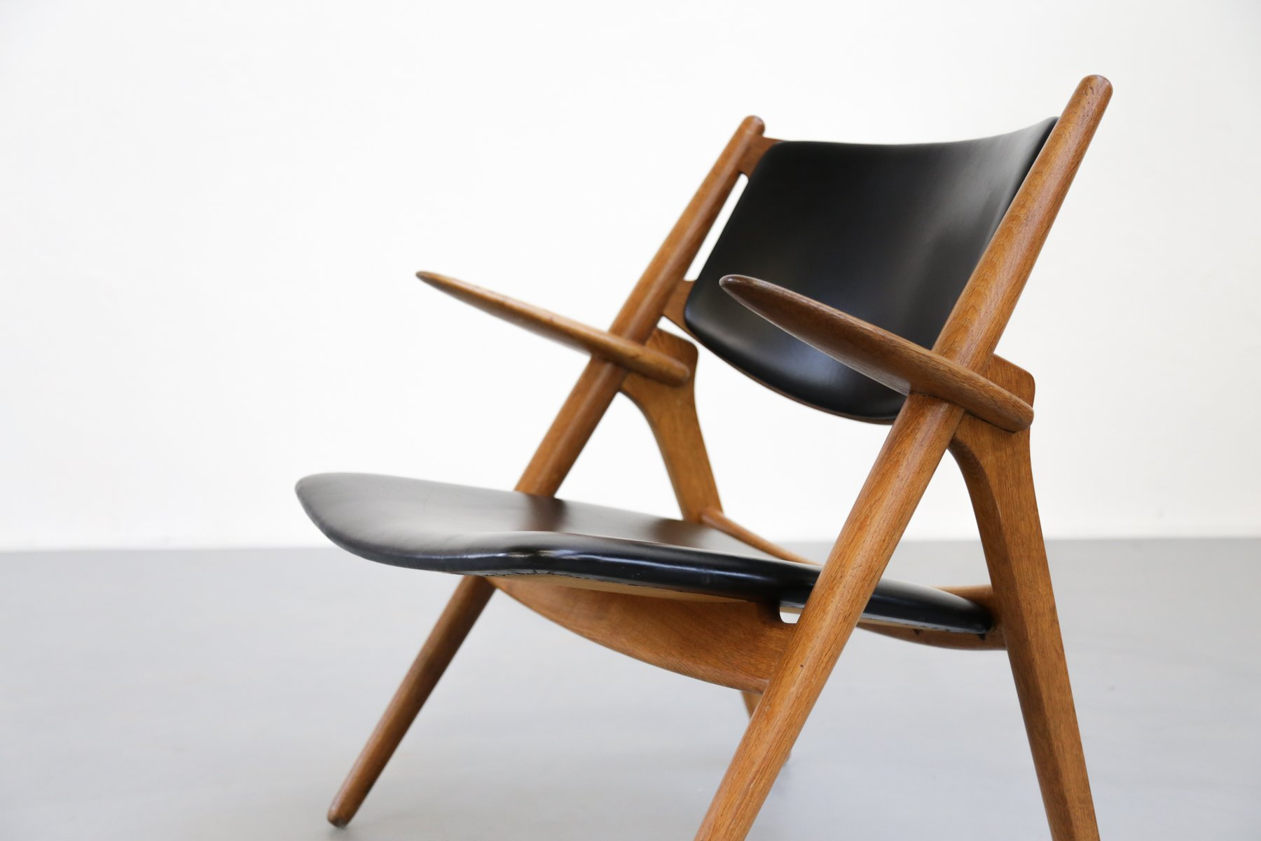 Mid Century CH28 Sawbuck Chair by Hans Wegner for Carl Hansen for