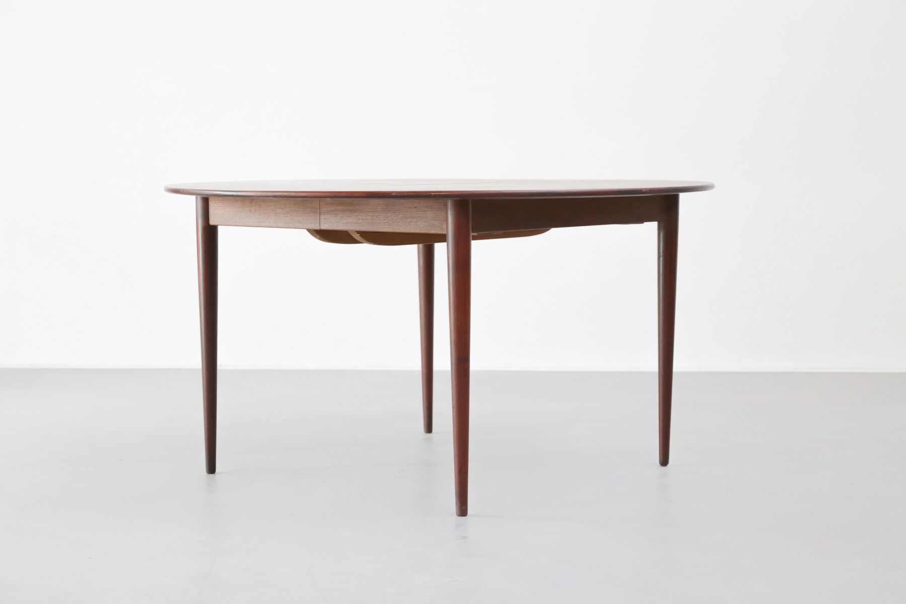large round danish dining table 1960s for sale at pamono din