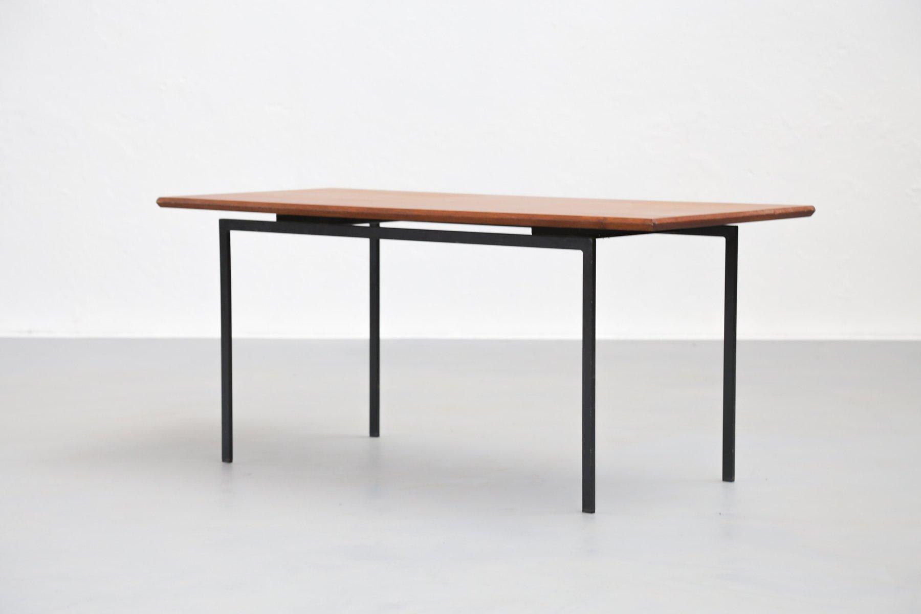 kleiner teak couchtisch 1960er bei pamono kaufen. Black Bedroom Furniture Sets. Home Design Ideas