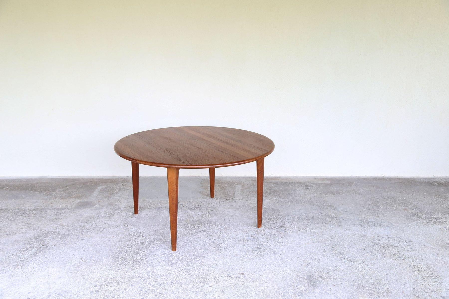 runder skandinavischer couchtisch 1960er bei pamono kaufen. Black Bedroom Furniture Sets. Home Design Ideas