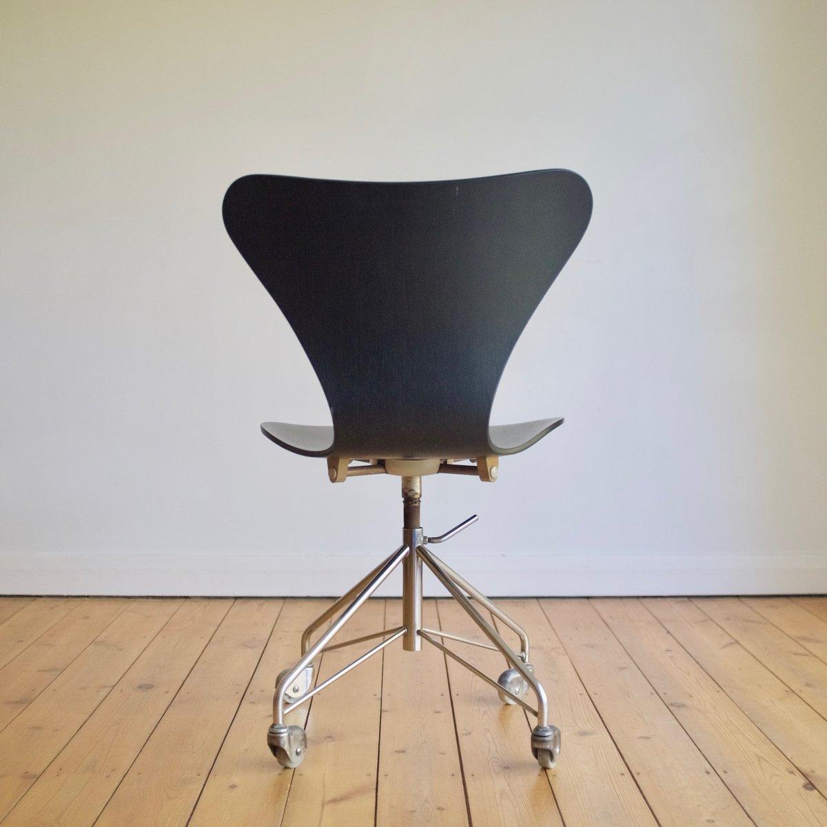 3117 office chair by arne jacobsen for fritz hansen 1967 for Chaise arne jacobsen