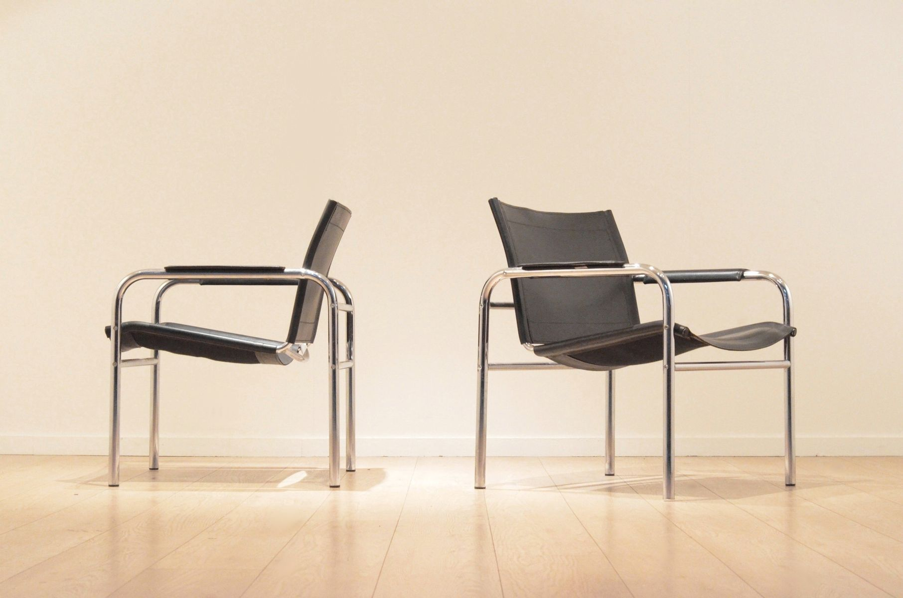Sling Leather amp Chrome Easy Chairs 1970s Set of 2 for sale at Pamono