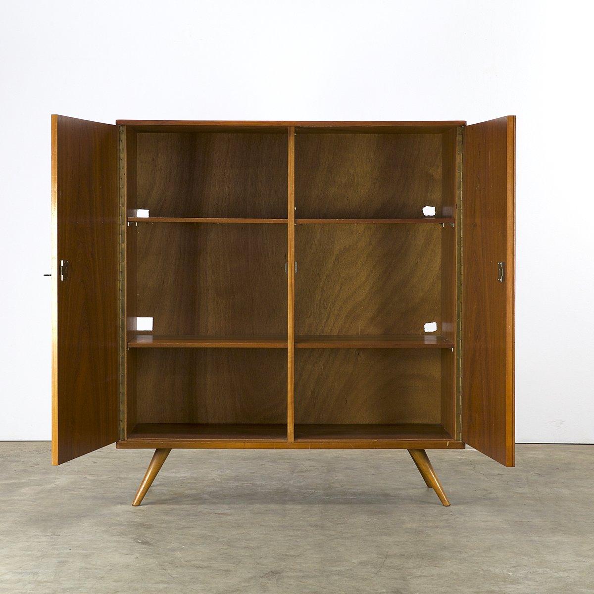 schrank mit geschnitzten tiermotiven von louis van teeffelen f r w b bei pamono kaufen. Black Bedroom Furniture Sets. Home Design Ideas