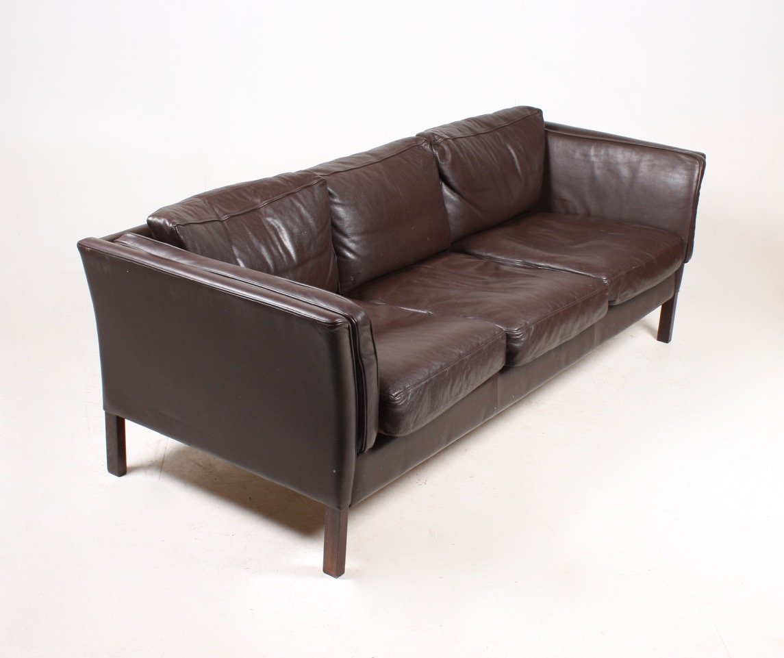 Vintage danish three seater leather sofa 1980s for sale for Sofa 7 seater