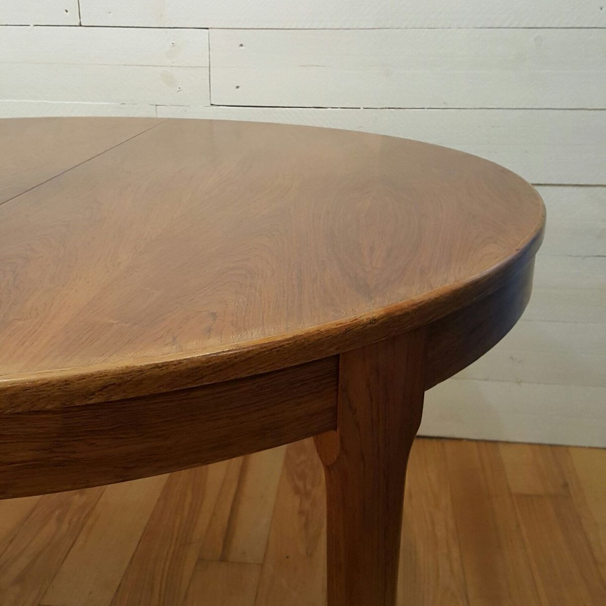 round rosewood table from meuble tv paris for sale at pamono. Black Bedroom Furniture Sets. Home Design Ideas
