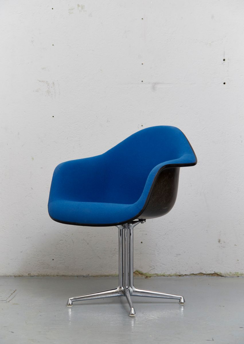 High Quality Vintage DAL La Fonda Fiberglass Chair By Charles Ray Eames For
