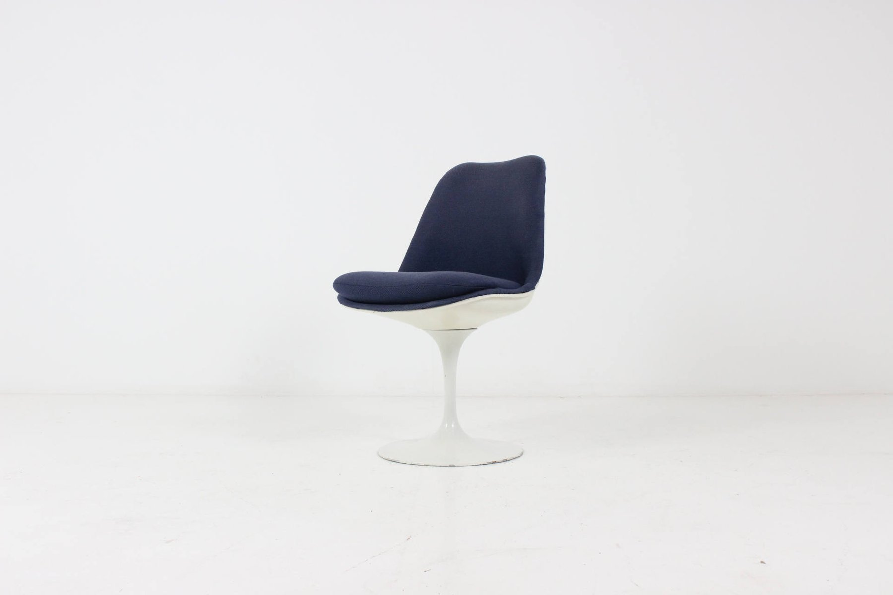 Swivel tulip chair by eero saarinen for knoll for sale at - Sedia tulip knoll ...
