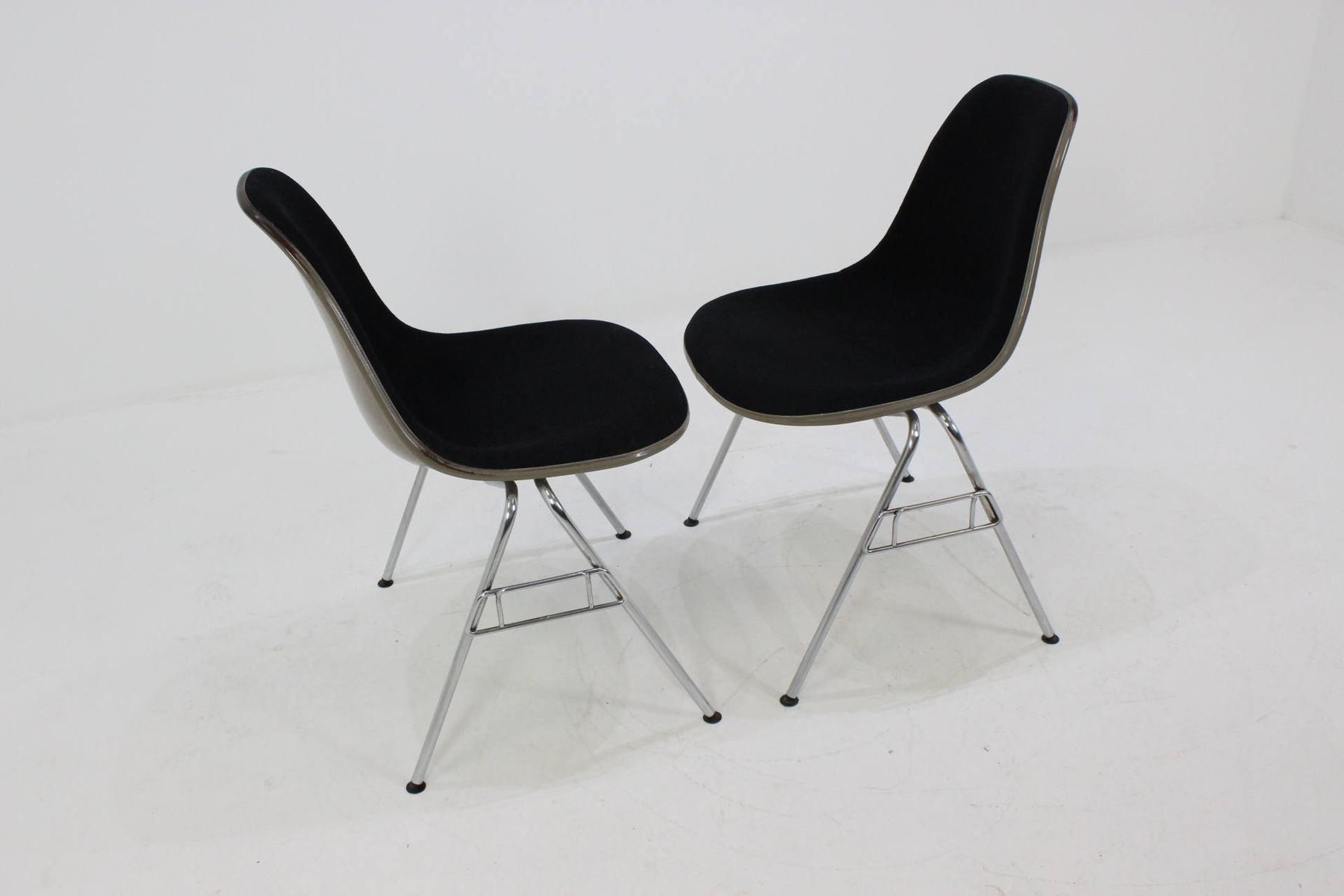 Shell Chairs by Charles & Ray Eames for Herman Miller 1968 Set