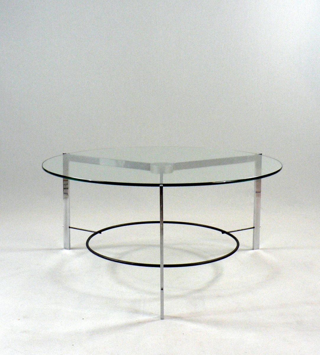 niedriger vintage tisch aus glas und stahl bei pamono kaufen. Black Bedroom Furniture Sets. Home Design Ideas