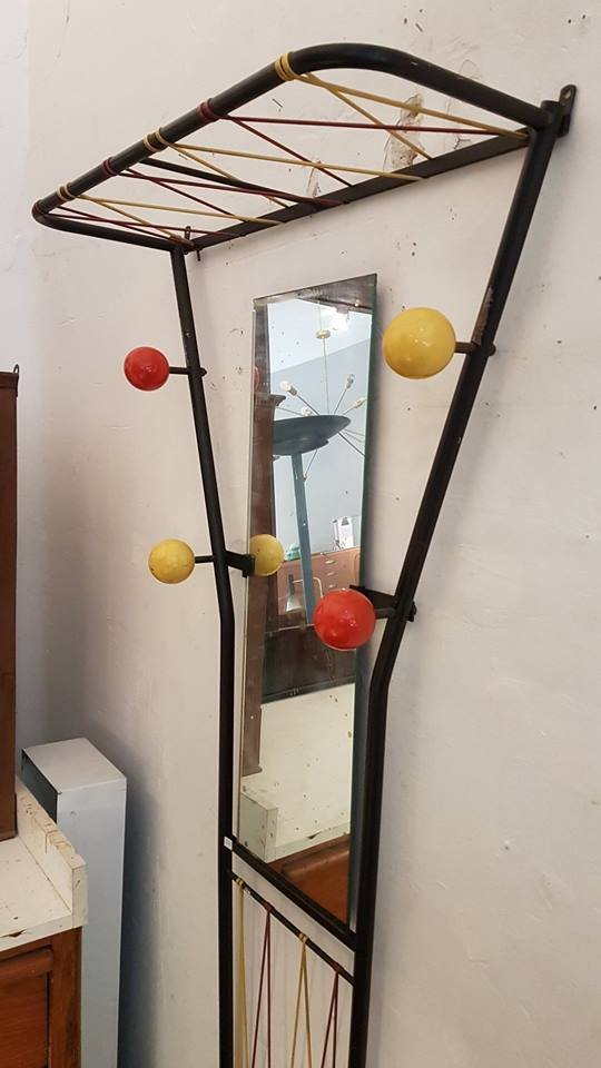 Appendiabiti da parete con specchio e portaombrelli in vendita su pamono - Appendiabiti con specchio da parete ...