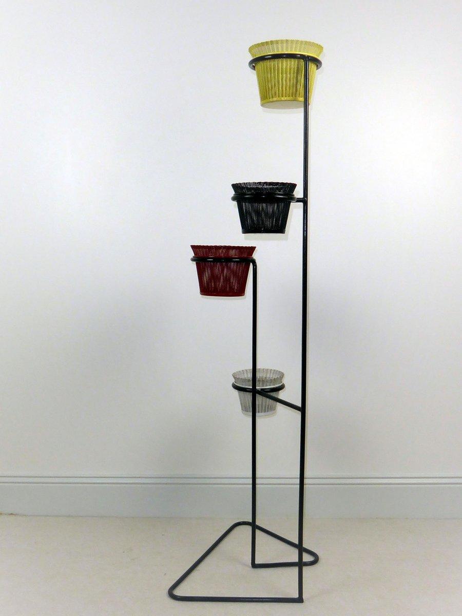 pflanzenhalter aus schwarzem metall rigitulle von mathieu mategot 1950er bei pamono kaufen. Black Bedroom Furniture Sets. Home Design Ideas