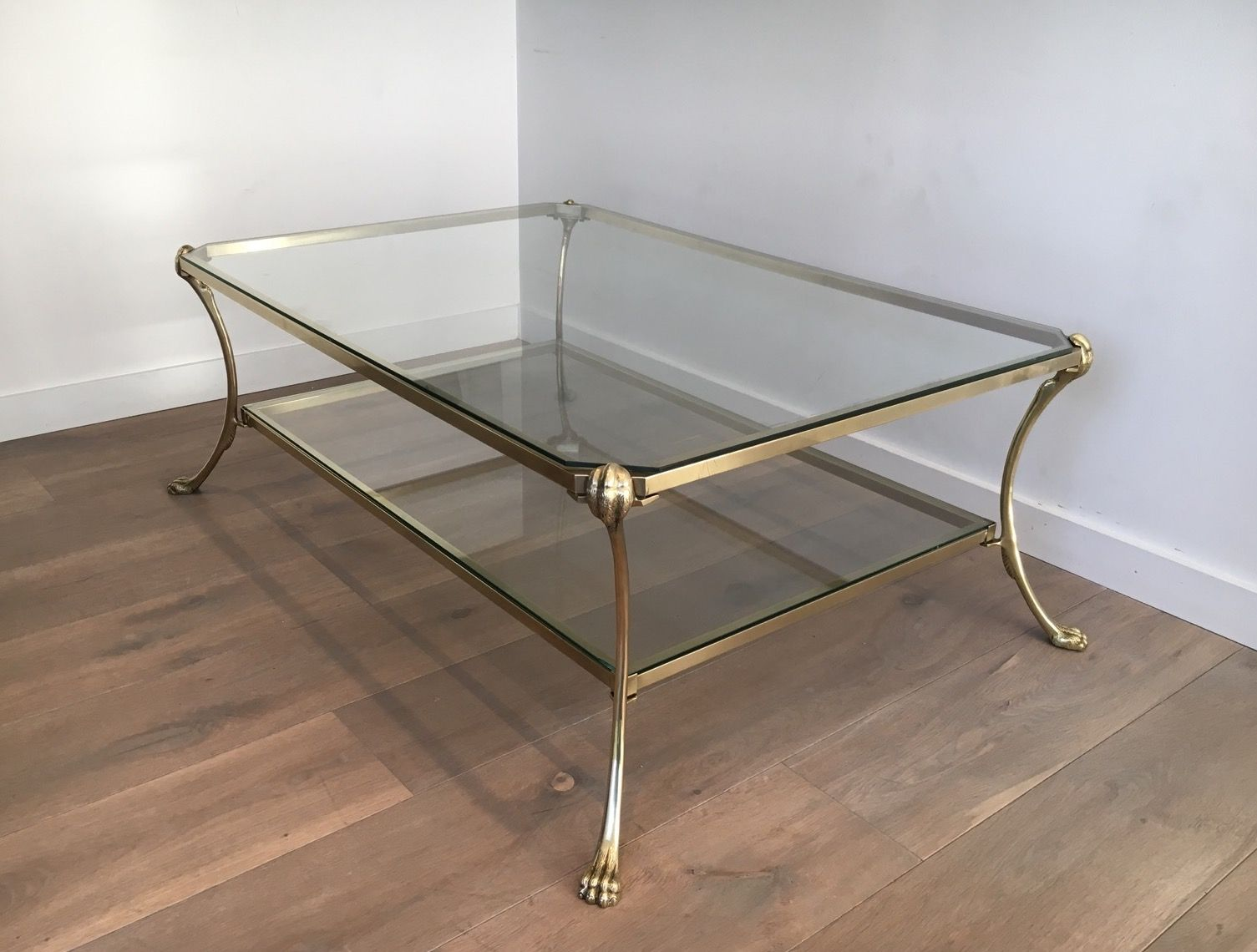 large vintage brass coffee table with claw feet for sale at pamono. Black Bedroom Furniture Sets. Home Design Ideas