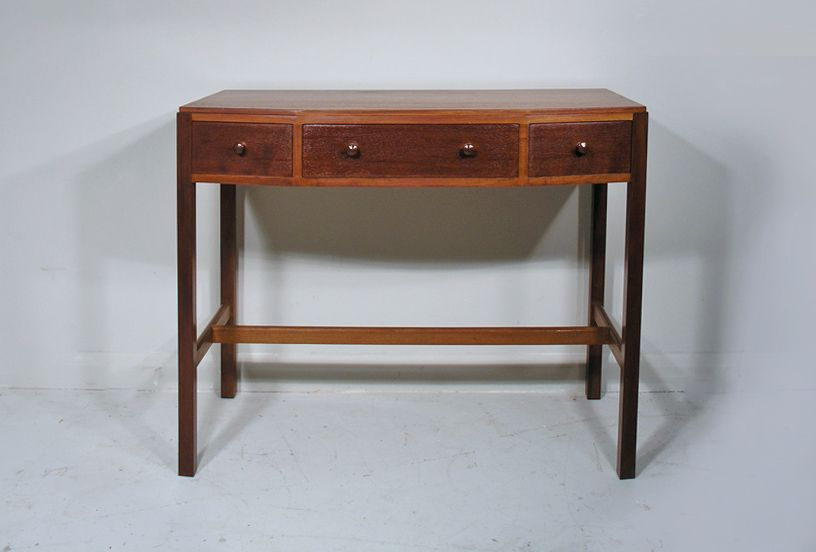 Vintage mahogany console table for sale at pamono for Sofa table rules