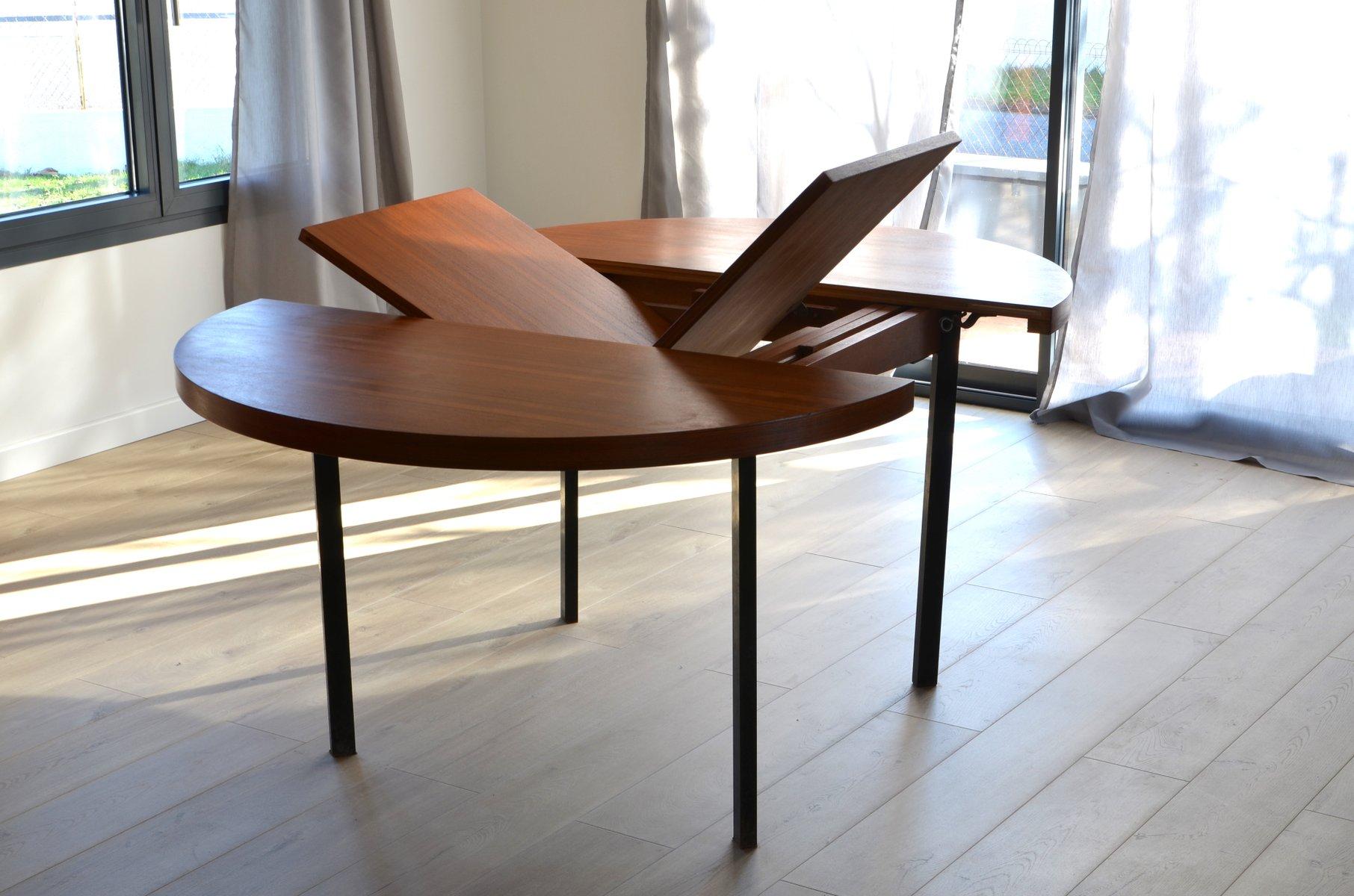 ausziehbarer tisch von pierre guariche f r minvieille. Black Bedroom Furniture Sets. Home Design Ideas