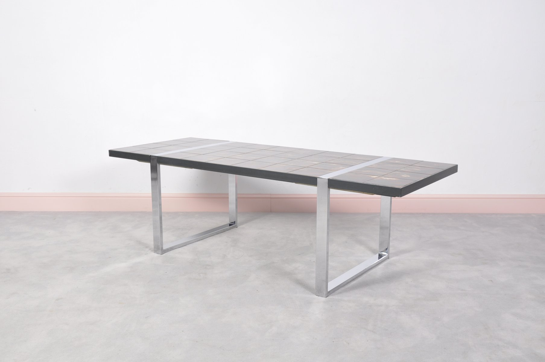 Table basse avec plateau en c ramique par julien belarti - Table ceramique italie ...