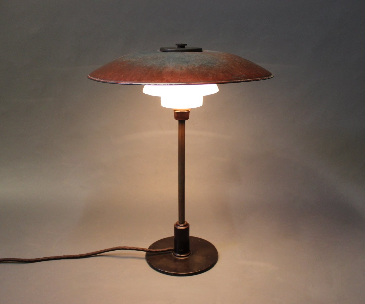 vintage danish ph 3 5 2 5 table lamp by poul henningsen for louis poulsen 1930s for sale at pamono. Black Bedroom Furniture Sets. Home Design Ideas
