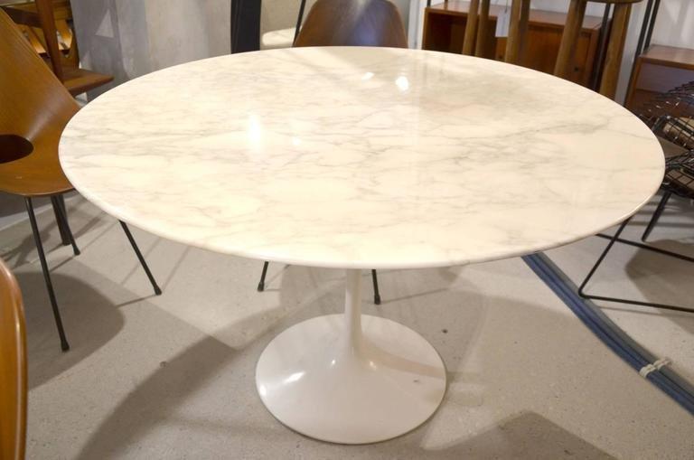 Tavolo Saarinen Marmo : Tavolo ovale saarinen knoll beautiful beautiful tavolo ovale
