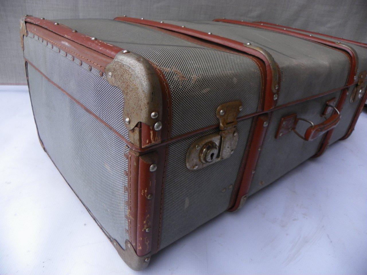 gro er industrieller vintage koffer bei pamono kaufen. Black Bedroom Furniture Sets. Home Design Ideas