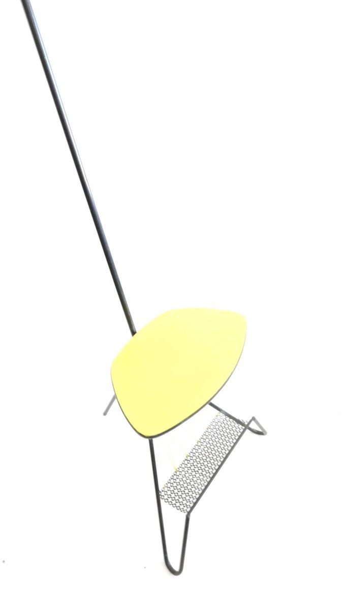 gelbe mid century stehlampe mit ablage und zeitungsst nder 1950er bei pamono kaufen. Black Bedroom Furniture Sets. Home Design Ideas