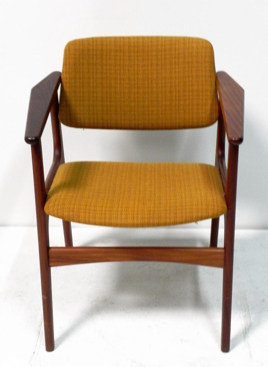 scandinavian office chair. scandinavian office chair