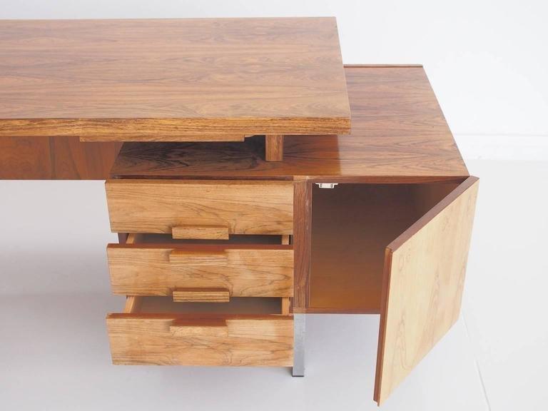 d nischer moderner vintage palisander schreibtisch mit stahlgestell bei pamono kaufen. Black Bedroom Furniture Sets. Home Design Ideas